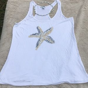 Old navy white tank top with shell necklace